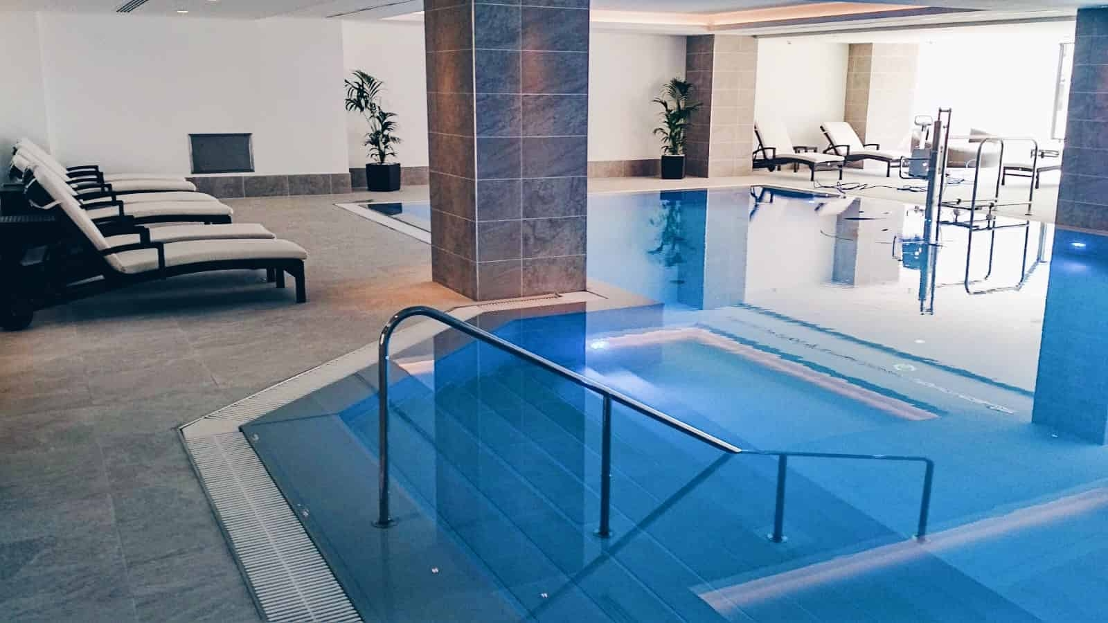 Bazén v hotelu Hilton Prague *****