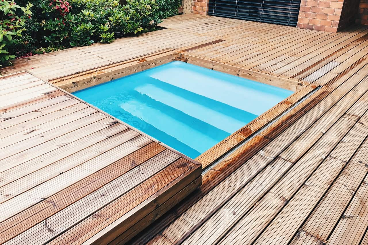 Terasové zakrytí bazénu Slidewood