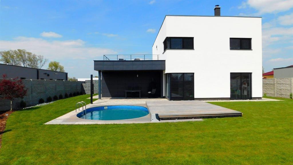 Designové zakrytí bazénu